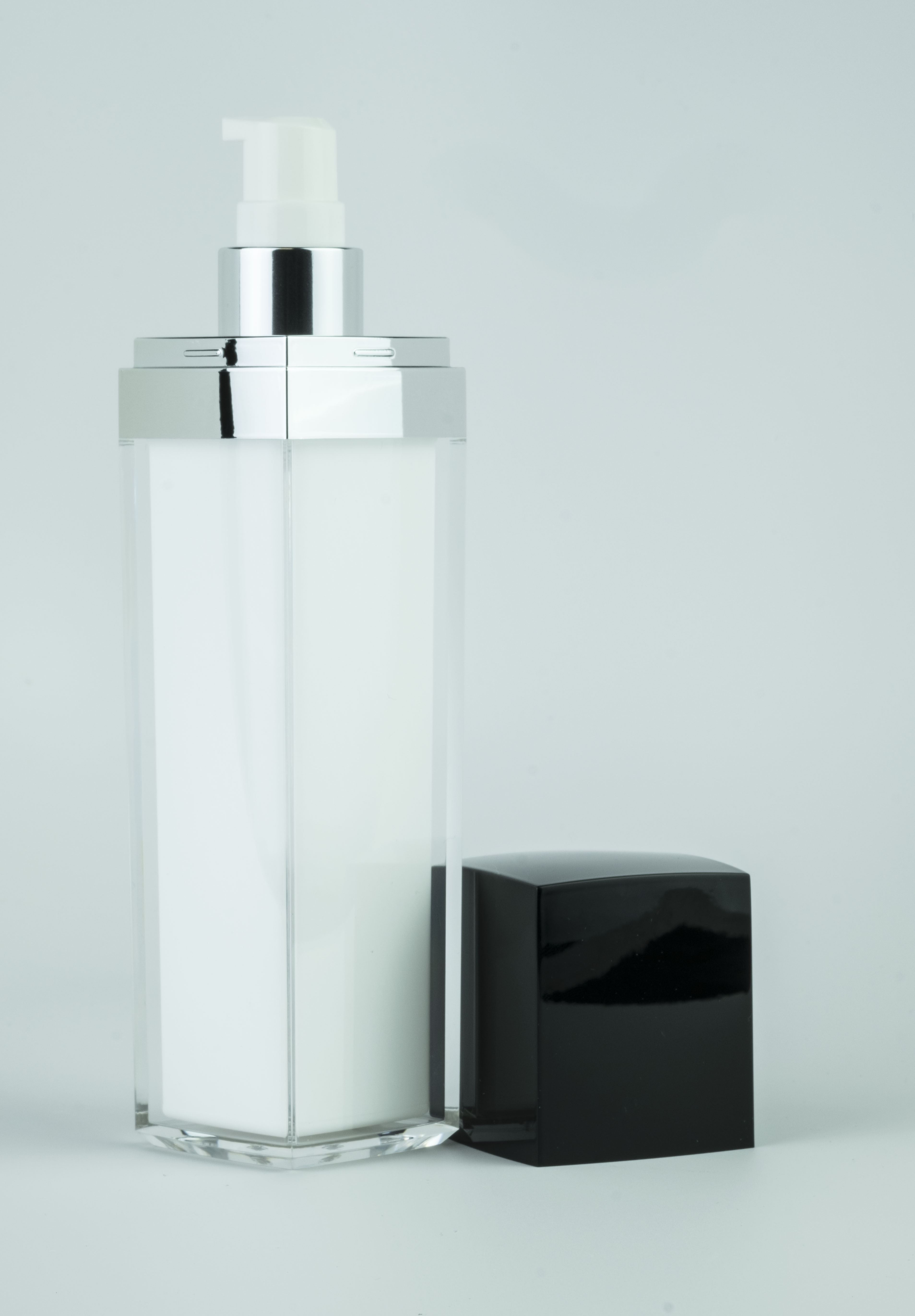 100ml Black Lid Square Series Bottle